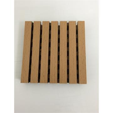 תקרה אקוסטית מעץ בצבע טבעי