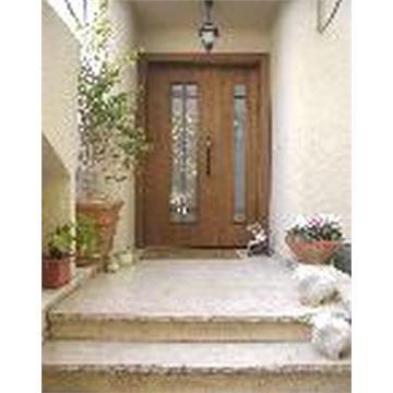 דלת כניסה אלון כנף וחצי עם זיגוג