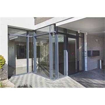 דלתות כניסה מאלומיניום וזכוכית