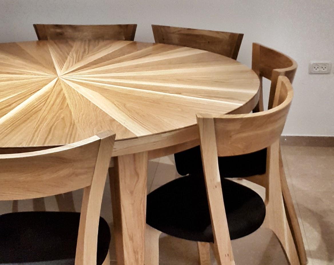 להפליא רקפת-שולחן אוכל עגול מעץ אלון FM-71